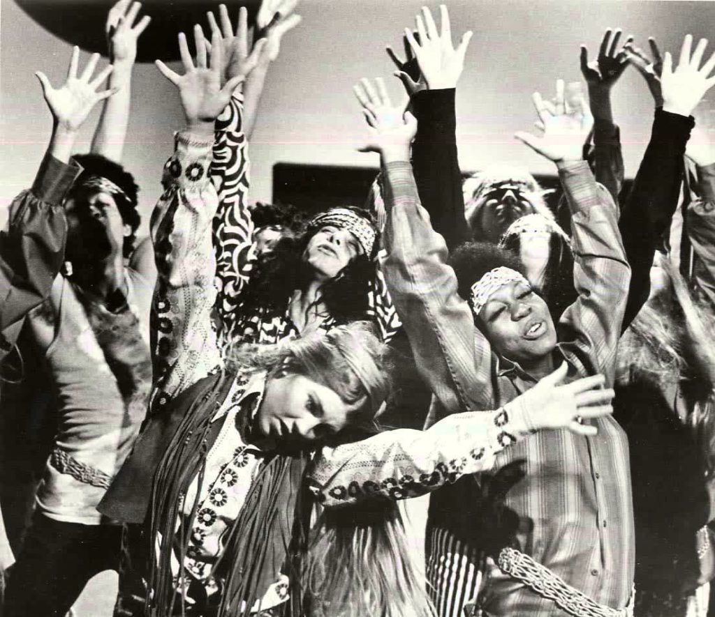 60s Hippie Fashion – How to Dress Like a Sixties Hippie Girl
